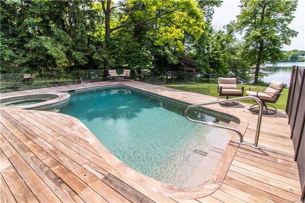 Luxury properties casually elegant luxury lakefront living