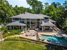 casually elegant luxury lakefront living luxury homes