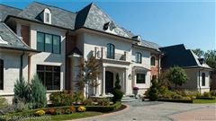 Luxury homes a Stunning French Chateau Estate