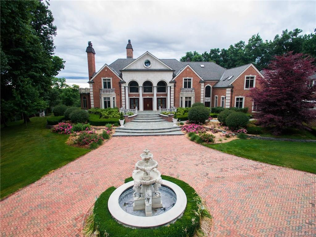 Michigan Luxury Homes and Michigan Luxury Real Estate