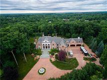 Luxury properties Castello Montebello - majestic home in Northville