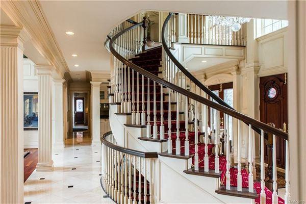 Castello Montebello - majestic home in Northville luxury homes