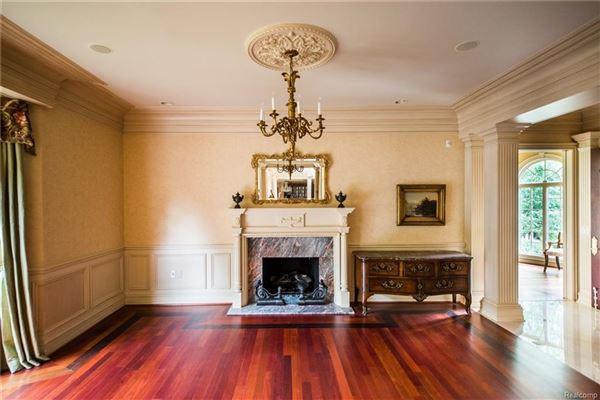 Castello Montebello - majestic home in Northville luxury real estate