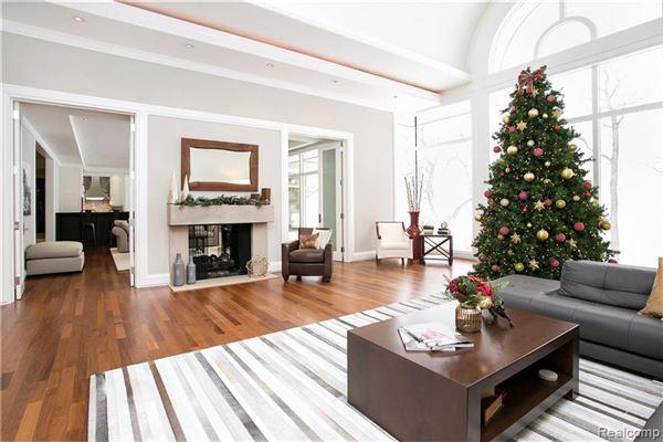 Luxury homes Lou DesRosiers masterpiece