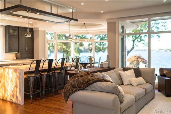 Luxury properties Lou DesRosiers masterpiece