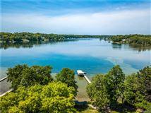 Lakefront Luxury luxury real estate