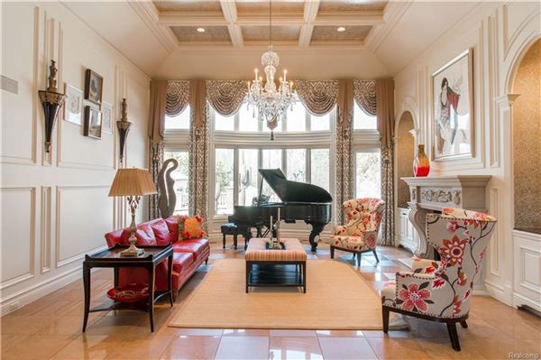 Luxury homes Three-acre Franklin property offering unparalleled amenities