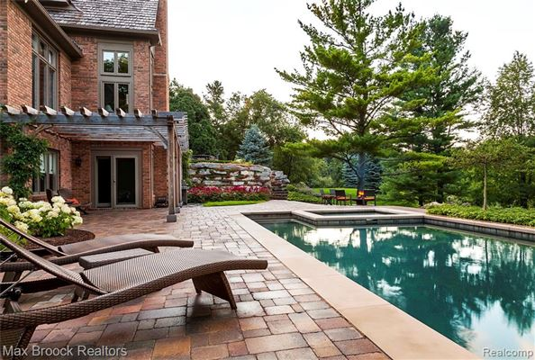 Luxury properties stunning property includes a pool and gym