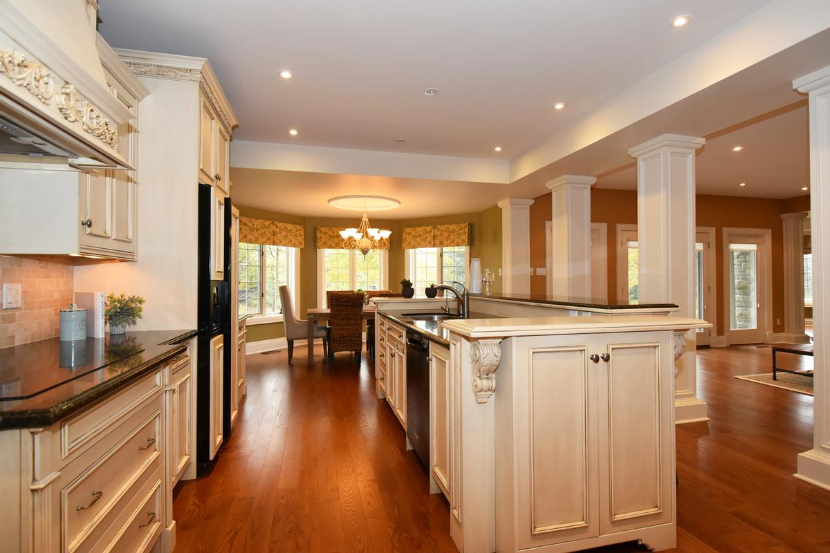 Luxury homes 741 Rothesay Avenue