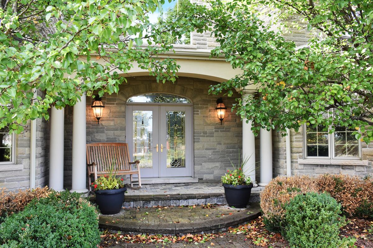 Luxury real estate 741 Rothesay Avenue