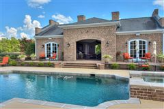 Mansions in a spectacular equestrian estate