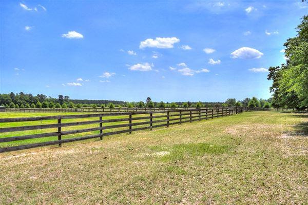 Lovely horse farm mansions