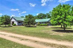 Lovely horse farm luxury homes