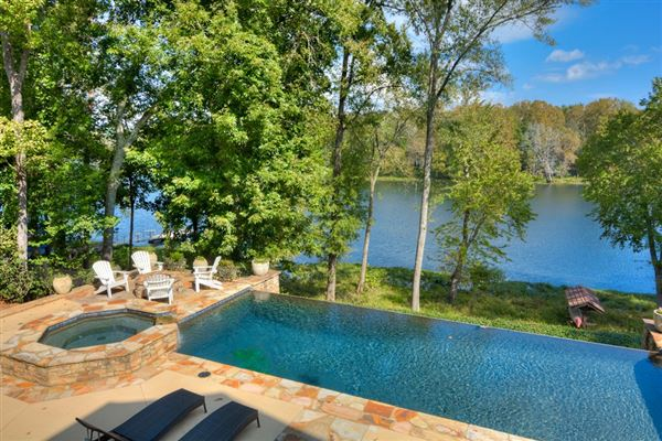 Luxury properties casually elegant home on the savannah river