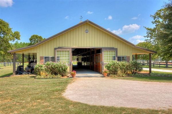 Luxury homes in Katydid Farm