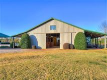 Mansions nearly perfect 74 plus acre equestrian estate