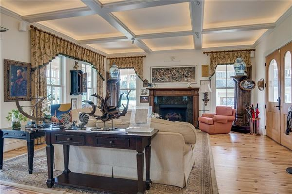 Exceptional and Gorgeous Historic Home luxury properties