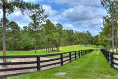 Mansions in An equestrian paradise on 14 acres