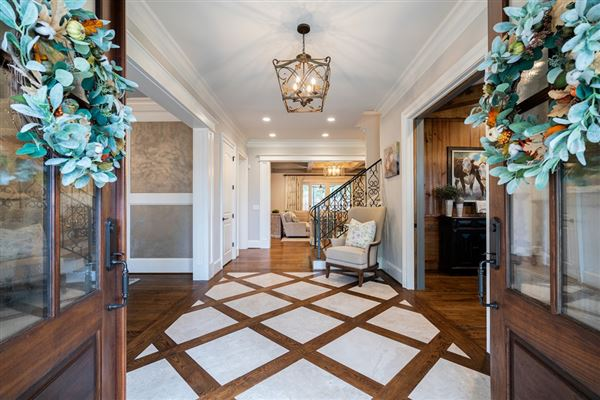 Luxury homes Stunning estate with high end finishes