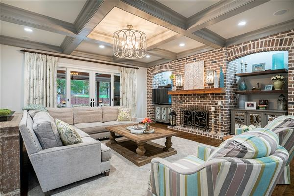 Luxury properties Stunning estate with high end finishes