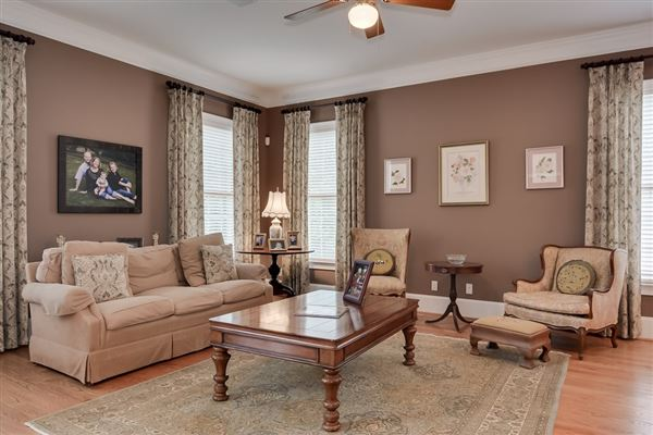 Regal Property in Rivernorth luxury homes