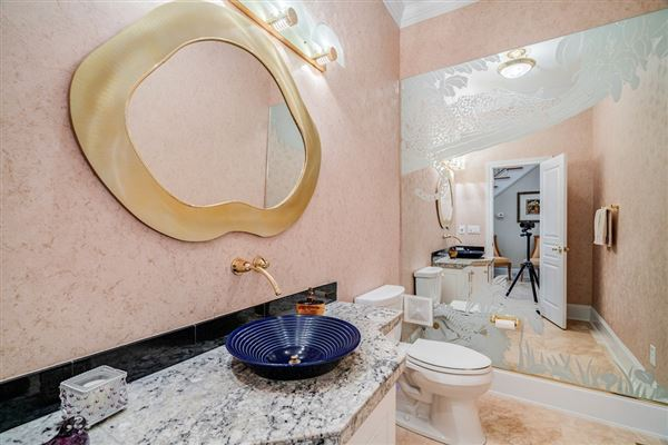 One-of-a-kind home in West Lake luxury properties