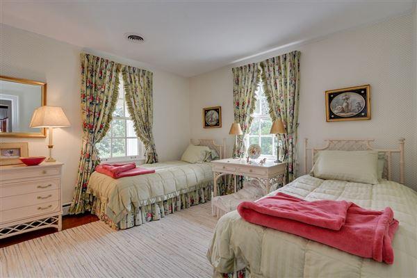 Luxury homes  Timeless Elegance in aiken