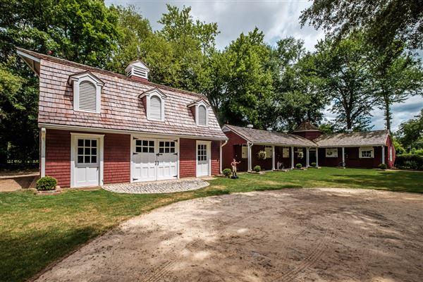 Luxury homes 1928 Winter Colony Retreat