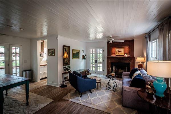 Luxury homes in Hidden Stables