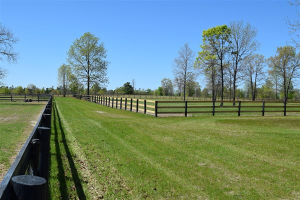 private equestrian estate luxury properties