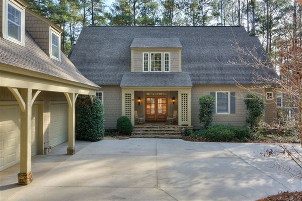 Luxury homes Columbia County lake living at its finest
