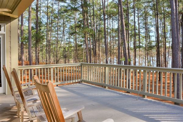 Luxury homes in Columbia County lake living at its finest