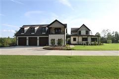 Luxury homes stunning 13 acre estate