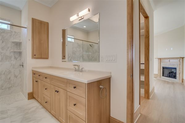 Luxury homes 142-plus-acre ranch