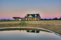 142-plus-acre ranch luxury properties