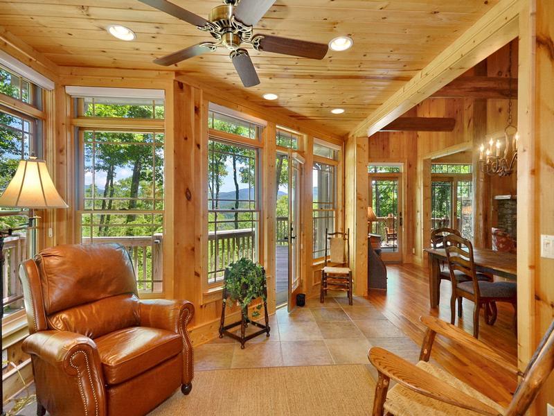 Captivating Mountain and Lake Views mansions