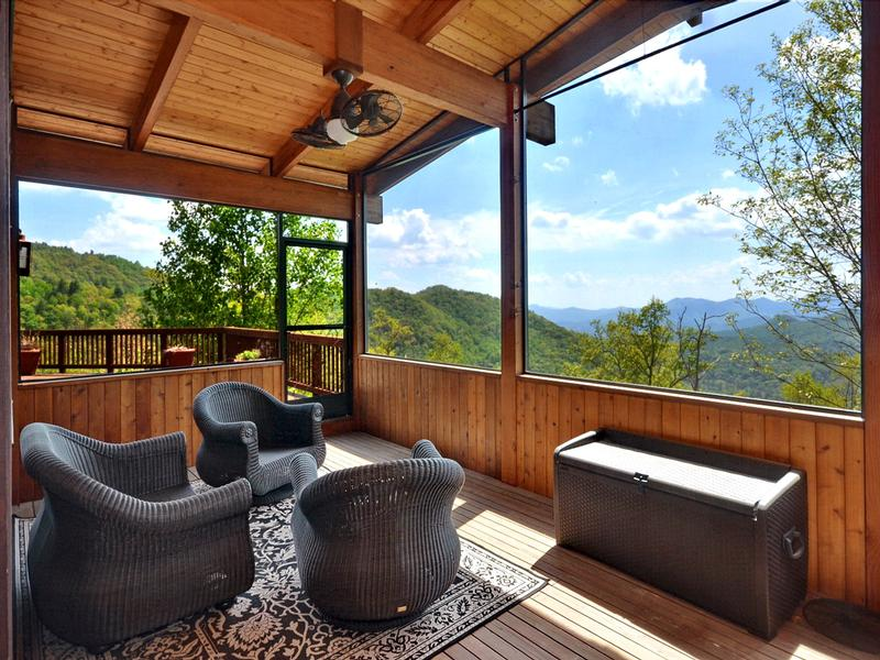 Luxury properties Long Range Mountain Views and Fine Living