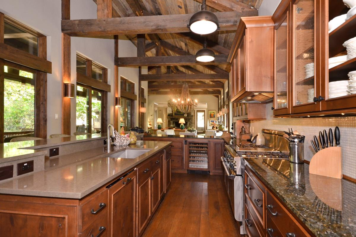 Mansions Exclusive Private Luxury Estate