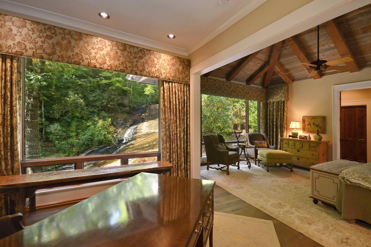 remarkable estate  luxury properties