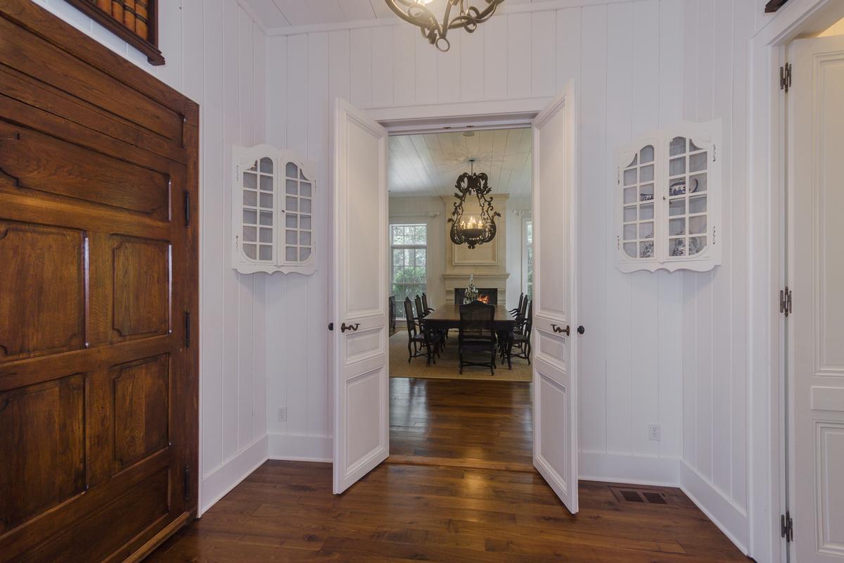 Elegant Mountaintop Estate mansions