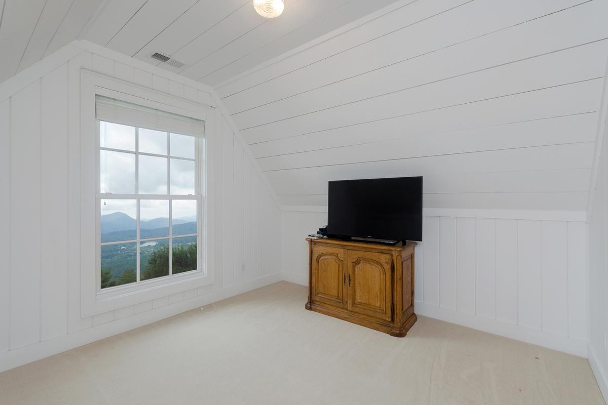 Elegant Mountaintop Estate luxury real estate