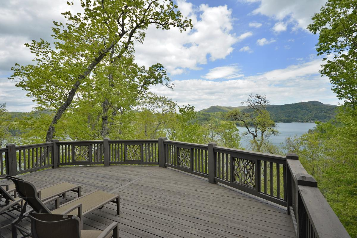 Luxury homes Luxury Retreat with Phenomenal Lake Glenville View