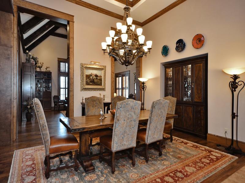 Luxury homes Refined Luxury Estate