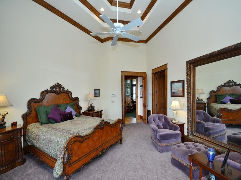 Luxury properties Refined Luxury Estate