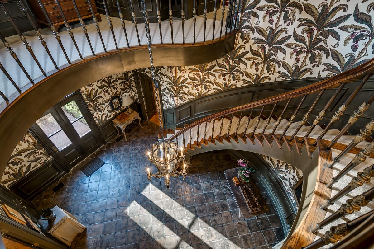 Mansions in One of the most special homes in Tuscaloosa