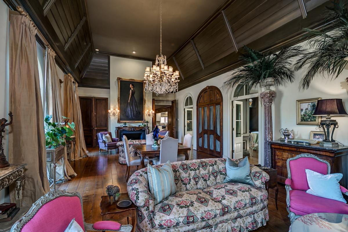 Luxury properties One of the most special homes in Tuscaloosa