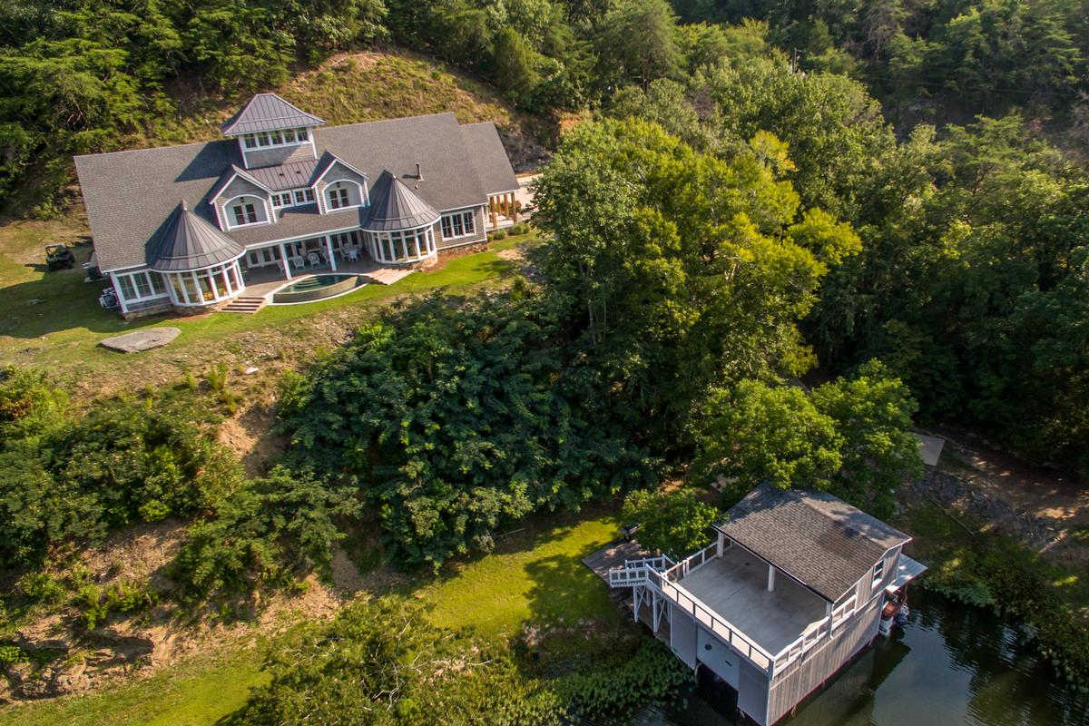 Luxury properties 11239 Sexton Bend Road