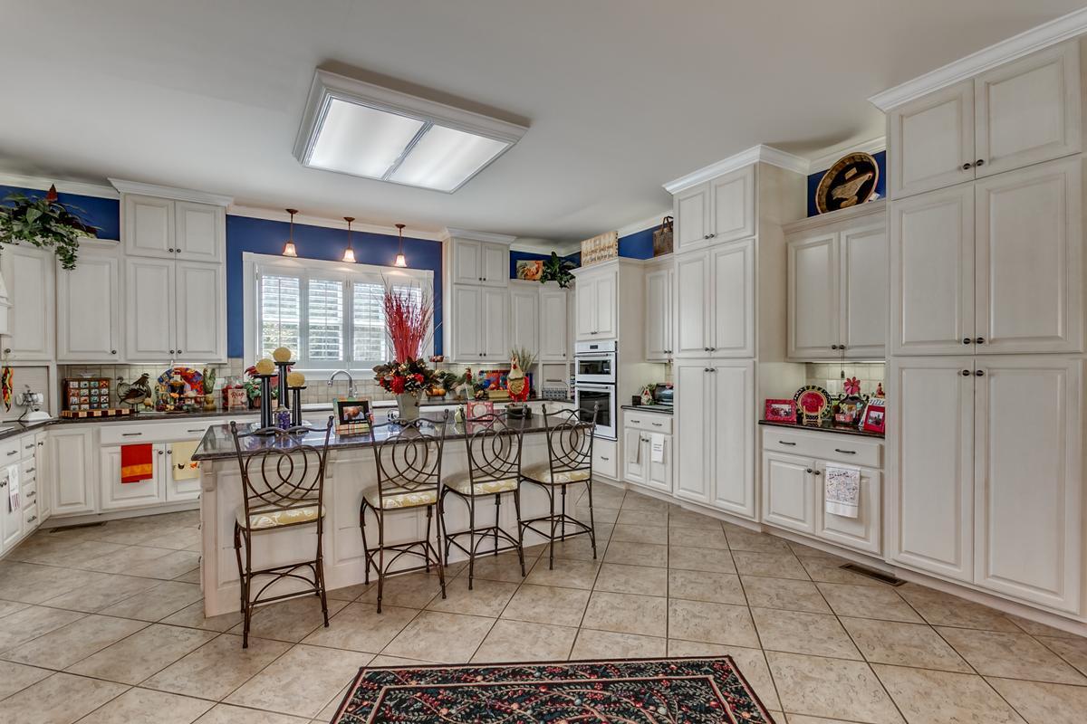 Luxury homes 15701 Capstone Blvd