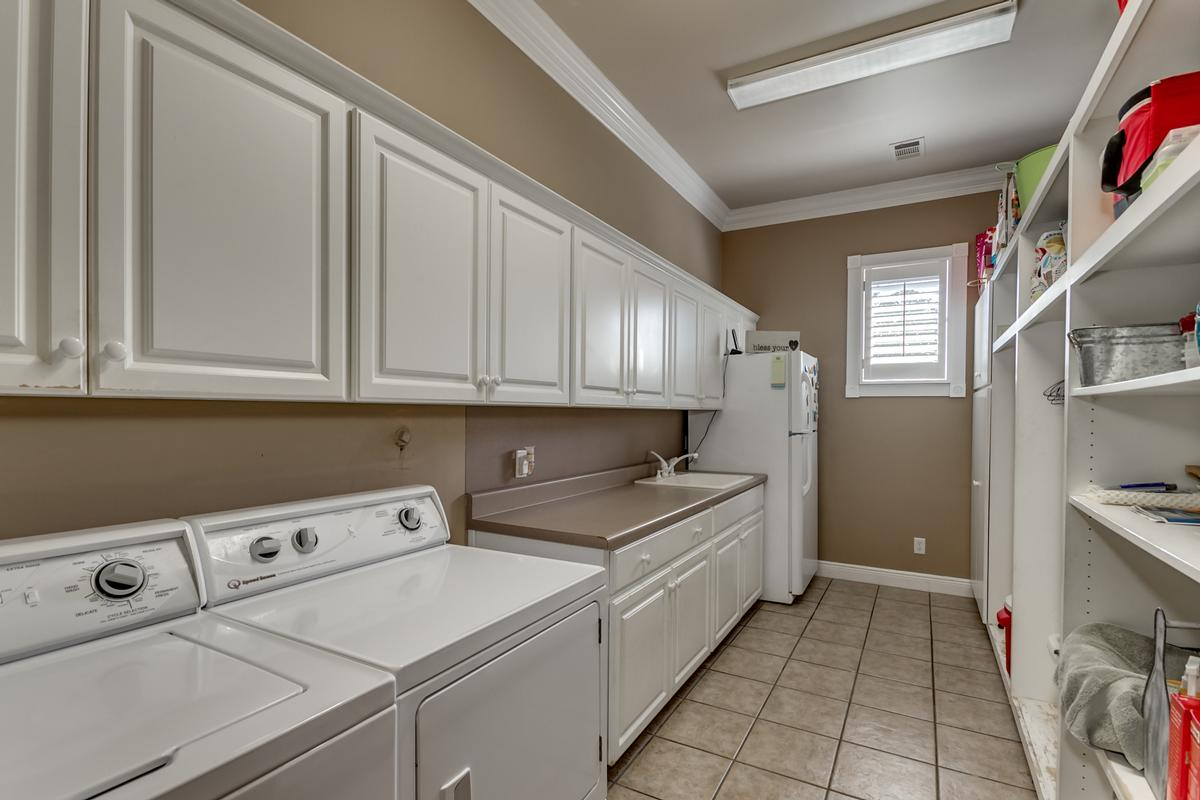 Luxury real estate 15701 Capstone Blvd