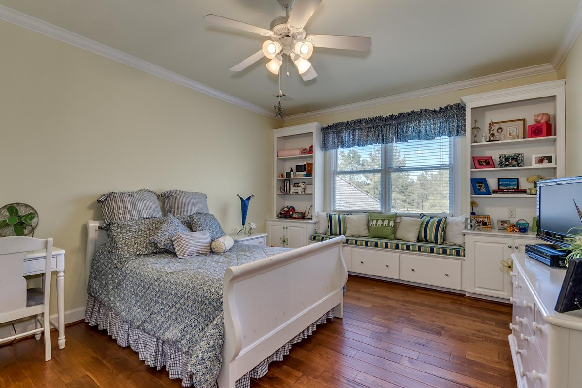 Luxury properties 15701 Capstone Blvd